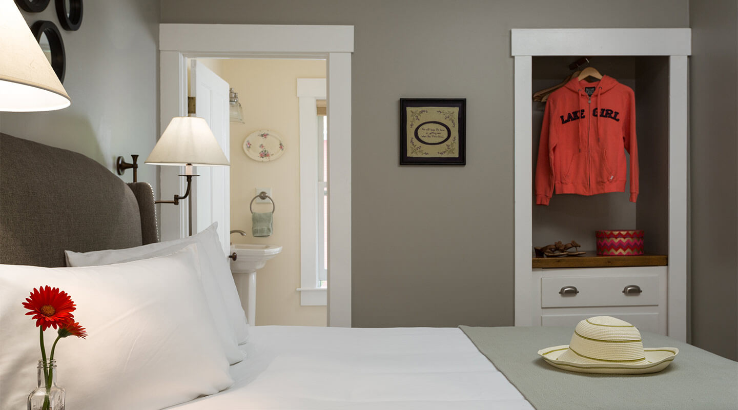 Vintage-chic decor at our boutique hotel near Lake Winnipesaukee