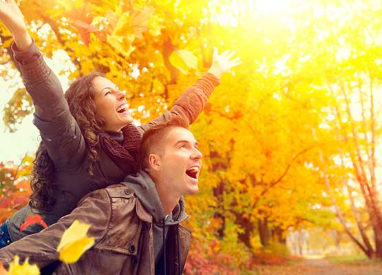 Couple enjoying New Hampshire Fall Foliage